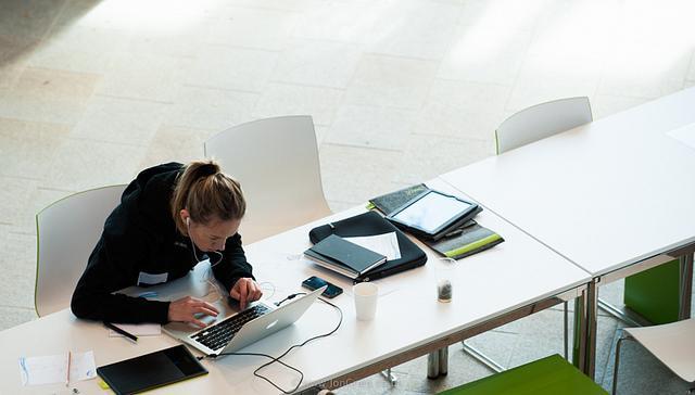 Các SME và công ty khởi nghiệp cần gì để thành công trong cách tân dữ liệu mở?