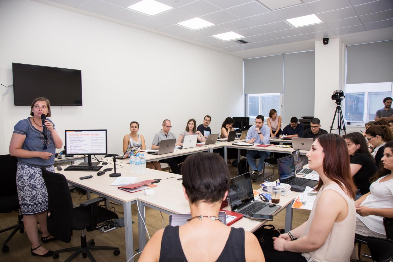 Khoa học Mở và Quản lý Dữ liệu Nghiên cứu trong các nhà nghiên cứu trẻ về khoa học xã hội nhân văn